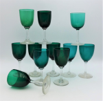 Lot 62 - Group lot Victorian stemmed wine glasses - Emerald bowls with clear stems (2 different emerald shades)
